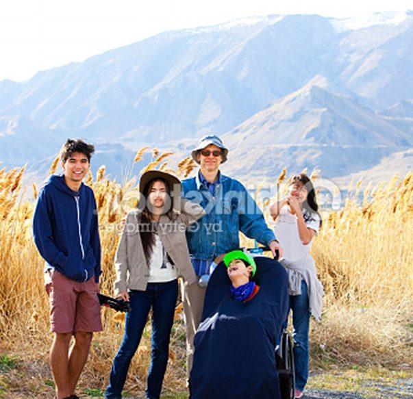 Arc of Aurora friends photo in mountains